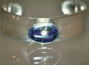 Blue Oyster nebula (NGC1501)  Planetary nebula in Camelopardalis  Sterling silver, azurite
